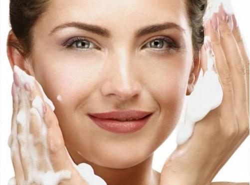 Умывание при сухой коже лица